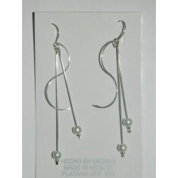 """Aretes de forma de ese """"S"""" con perlas sint. y alambre"""