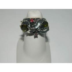 Anillo de zirconias verdes y 2 rubies (piedras preciosas)