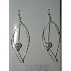 Aretes de medio infinito con perla