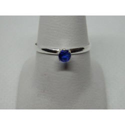 Anillo de 1 piedra zirconia azul